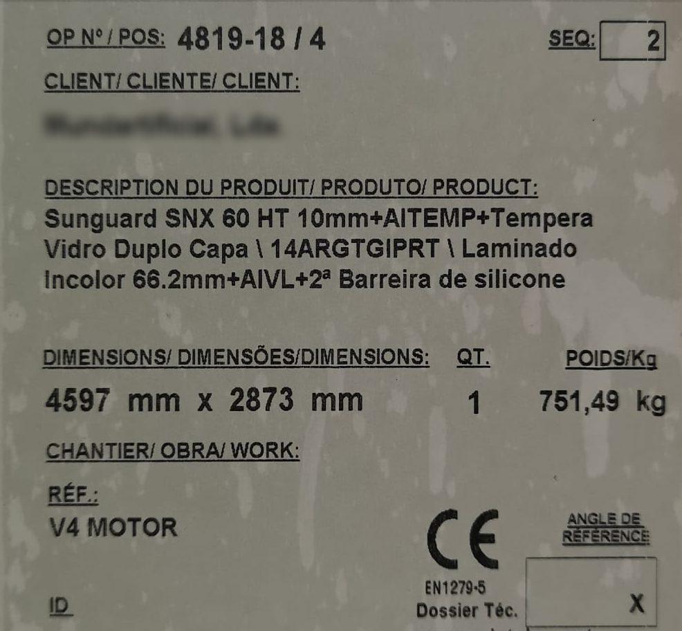 GLASS Weight - 751 KG